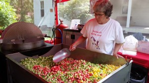 Becky Hubbert mixes Unicorn Poop kettle corn.
