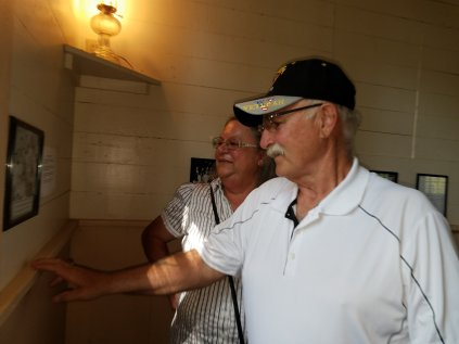 Former students visit one-room schoolhouse